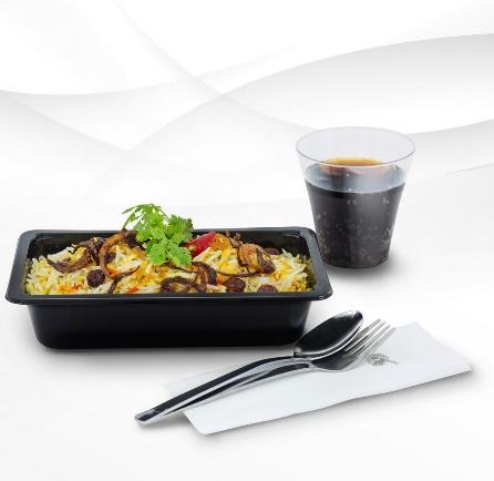 qatar, avion, aviokompanija, obrok, hrana, posluga
